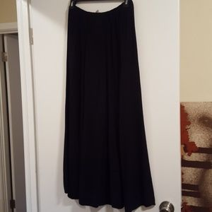 Fresh Produce Maxi Skirt sz lg, Black